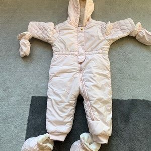 Baby girl snowsuit with mitten and footie (12-18M)
